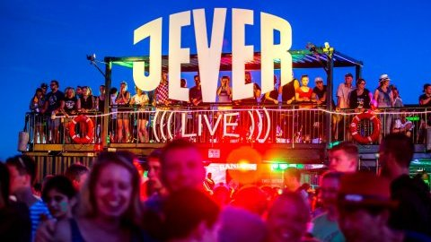 Jever Live - Festival-Sessions vom Deichbrand online